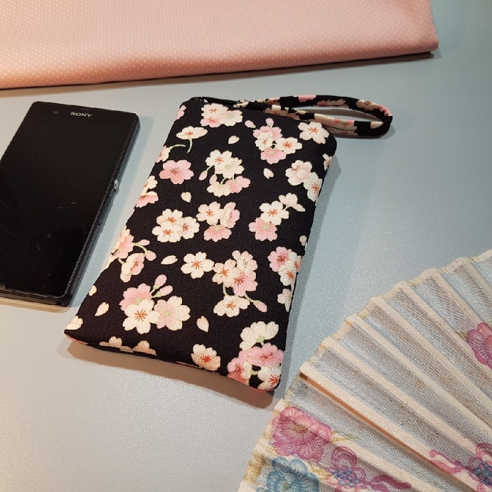 Smartphone sleeve - zipper closure - Emi