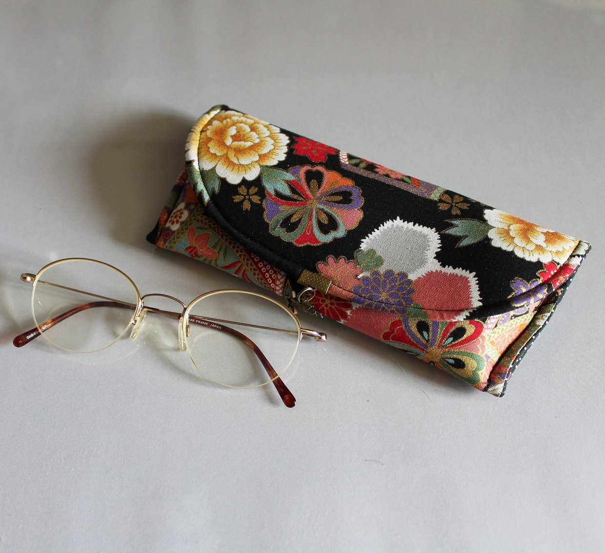 Glasses case - Kana