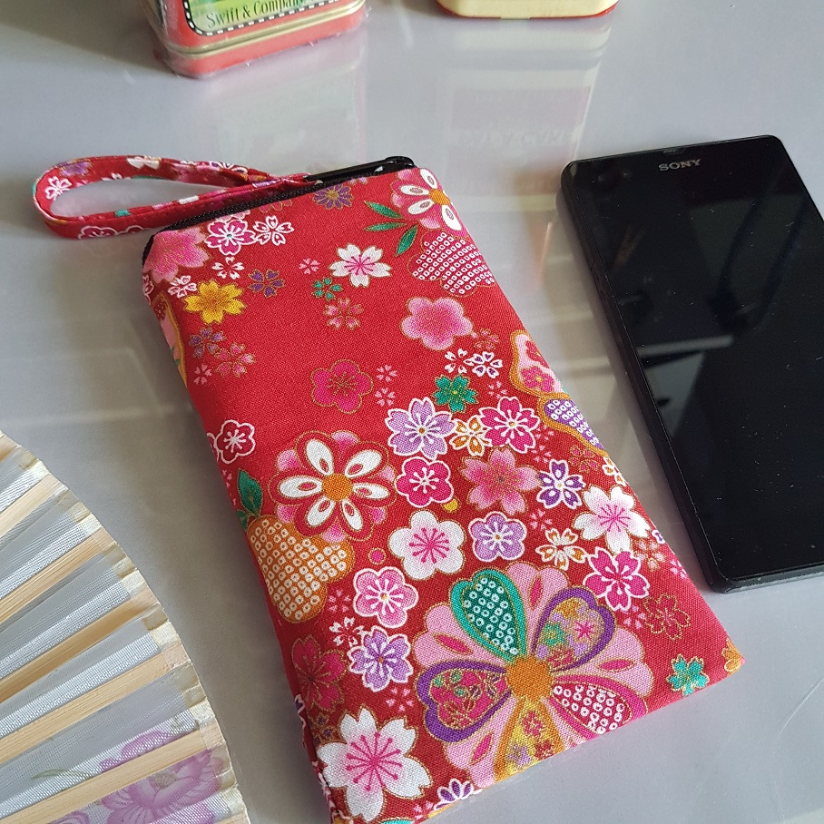 Smartphone sleeve - zipper closure - Miyo