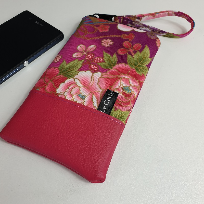 Smartphone sleeve - zipper closure - fucsia