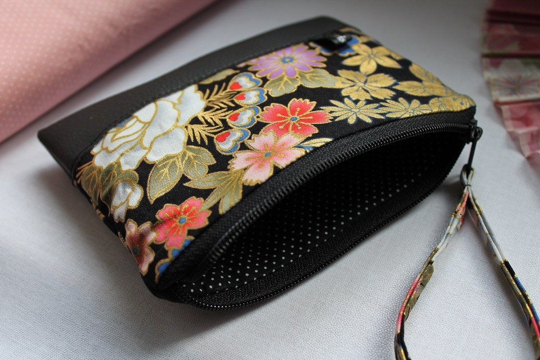 Zippered Coin purse - Kanako