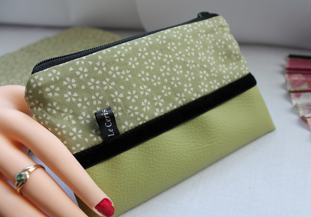 Zippered Coin purse - Sakura green