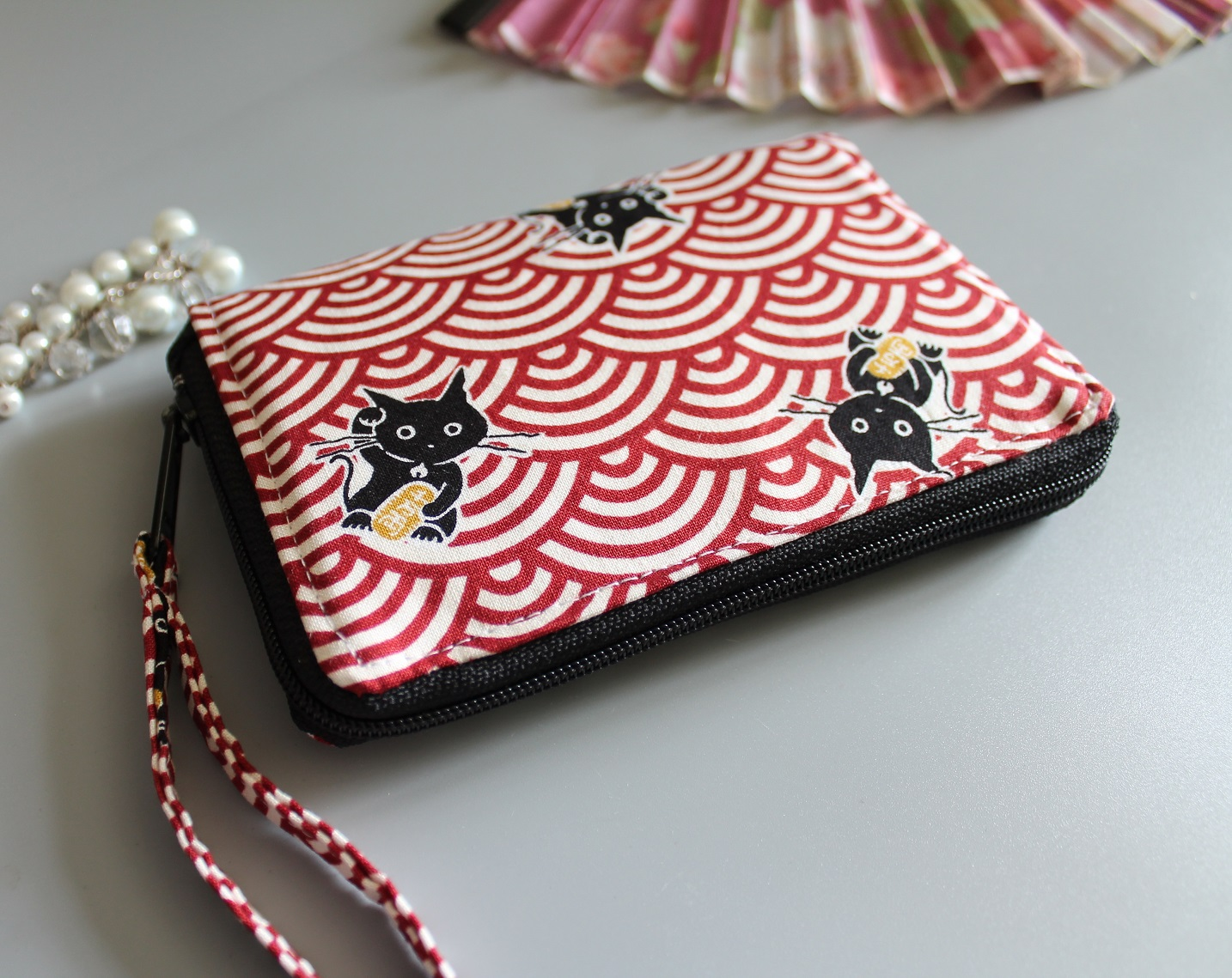 "5.5"" zippered Cards and coins wallet - Red white"