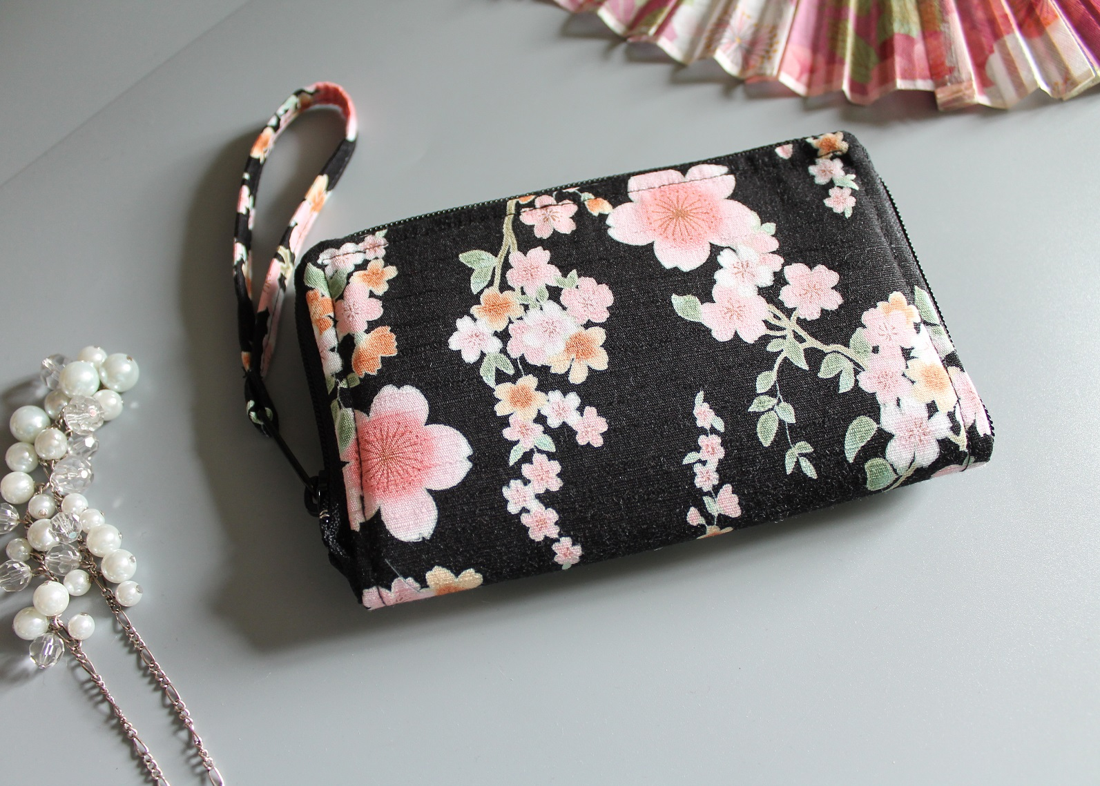 "5.5"" zippered Cards and coins wallet - Ayami black pink"