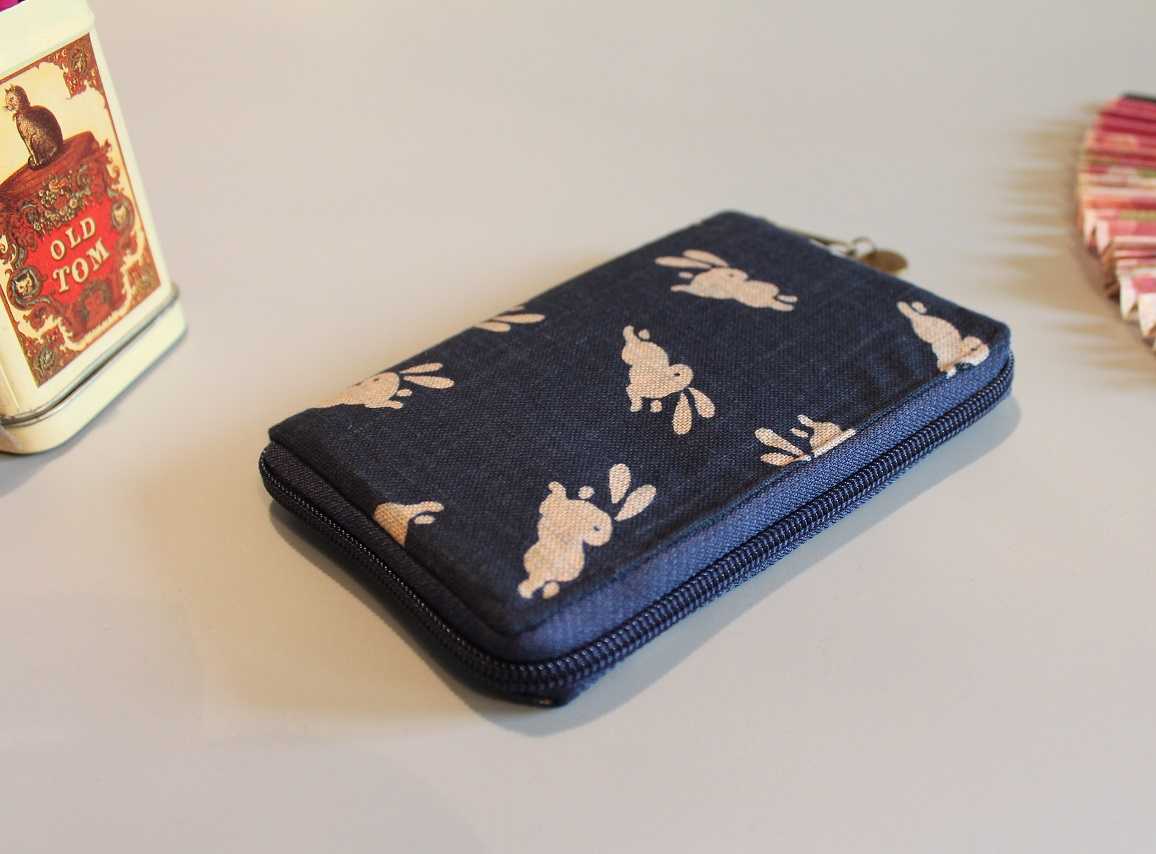 "5.5"" zippered Cards and coins wallet - Usagi"