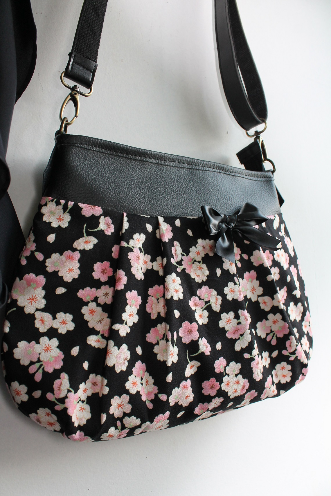 Crossbody - Shoulder bag - Emi