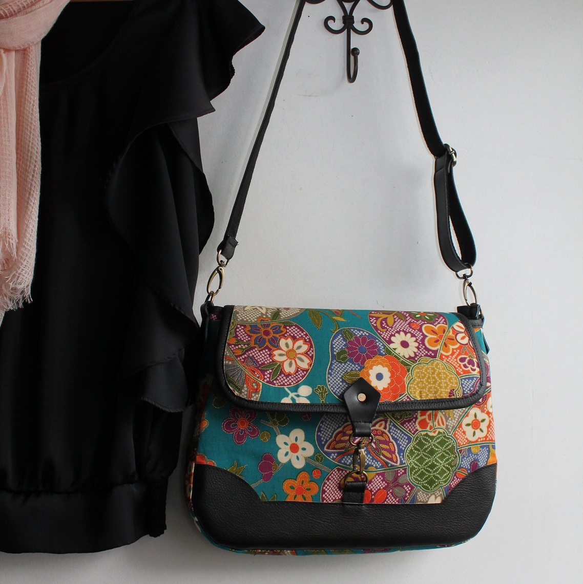 Cross body messenger bag - Yuka