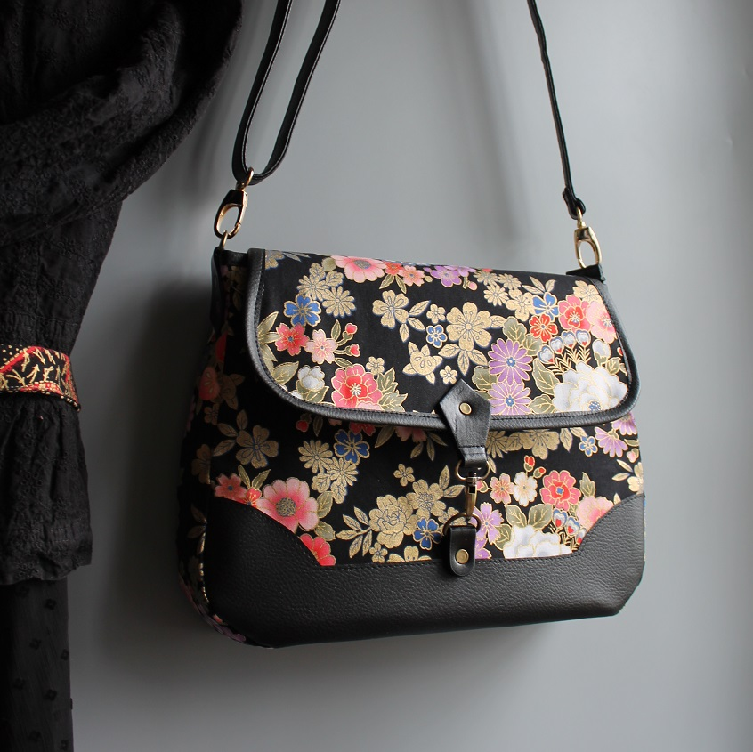 Cross body messenger bag - Kanako