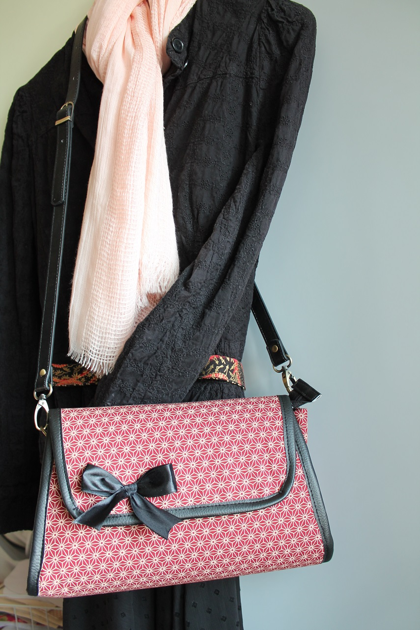 Cross body / hand bag - Asanoha red