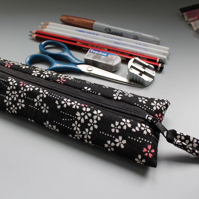 Pencil case - black white